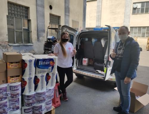 Nowa partia pomocy Caritas Diecezji Bielsko-Żywieckiej dla pracowników transportu medycznego stacji dializ w Bielsku-Białej.