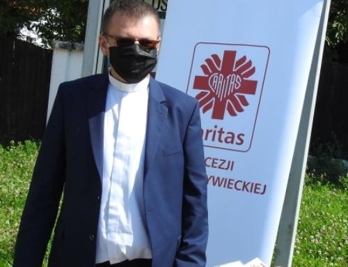 """Caritas Diecezji Bielsko-Żywieckiej wspólnie z bielską drogówką w akcji: """"Bezpieczna Jazda""""."""