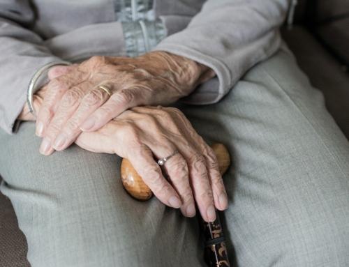 Caritas Polska apeluje: chrońmy seniorów.